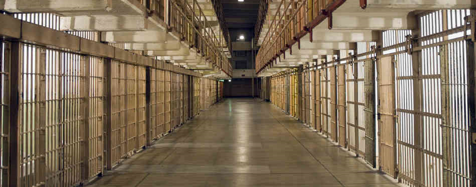 The Andrew Carrington Hitchcock Show (912) Nikki Fisher – How To Survive A Lengthy Prison Term…